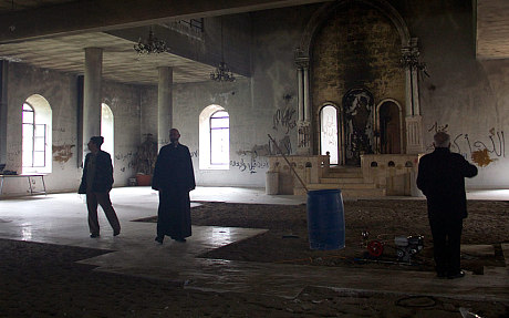 Dispatch: Syria rebels 'burned down churches and destroyed C